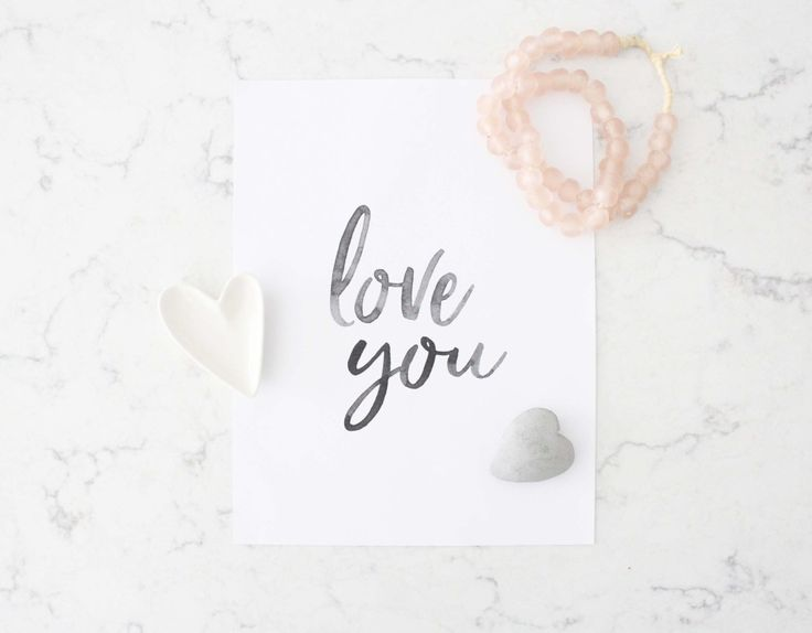 Free printable!  Ive teamed up with my favourite print shop – Sweet Simplicity Paper Co – to offer you a free Valentines Day printable.  She made this beautiful art just for me – to share …