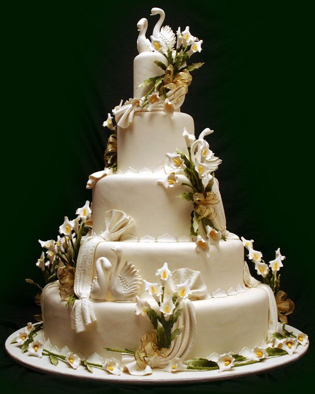 swan wedding cake 17 best images about wedding cakes decorative on 20670
