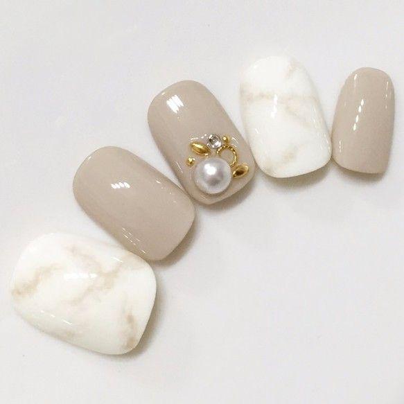 ベージュ・大理石風ネイル【商品番号:0001】|ネイルチップ|華<HARU>nail|ハンドメイド通販・販売のCreema