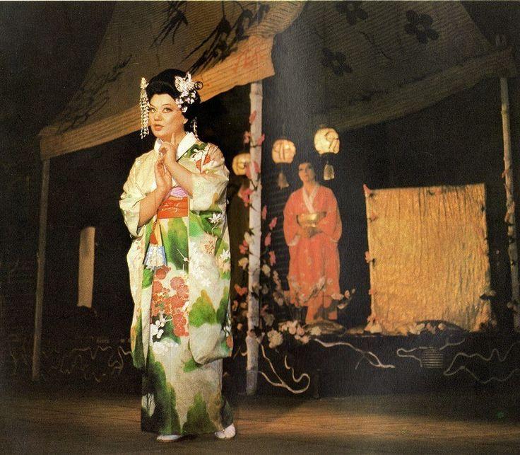 "Maria Bieşu (Cio-Cio San (Butterfly)), Ludmila Alyoshina (Suzuki) in the Opera ""Madama Butterfly"" by G.Puccini. Мария Биешу (Чио-Чио-сан (Баттерфляй)), Людмила Алёшина (Сузуки) в опере «Мадам Баттерфляй» Дж.Пуччини."