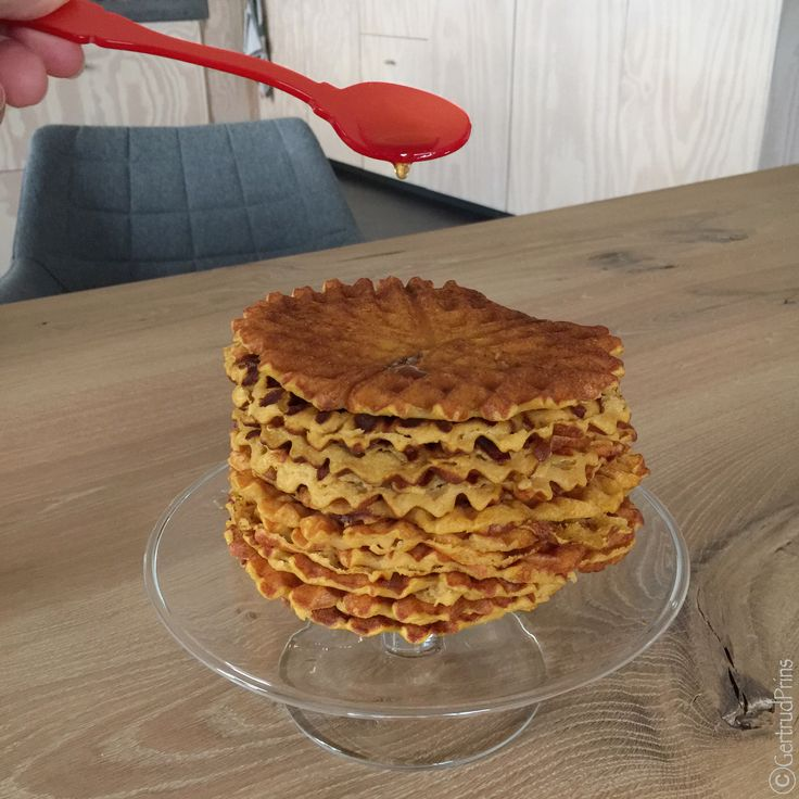 #pumpkinwaffles#maplesyrup#brunch#breakfast#delicious#pompoenwafels#flespompoen#pompoen#ahornsiroop#thuisopnummer14 Recept van deze overheerlijke wafels staat nu op mijn blog! http://thuisopnummer14.blogspot.nl