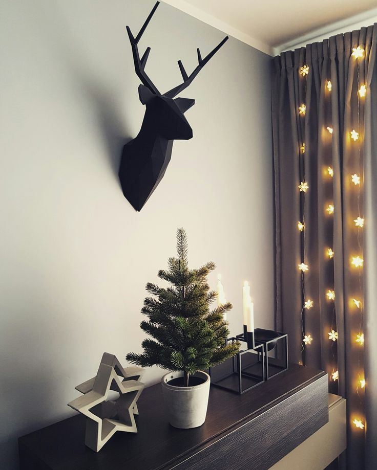 Święta tuż, tuż  #christmasiscoming #christmasdecor #deer #paperdeer @folditfoldit #stars #concretestars #pot #concretepot #christmastree @ikeapolska #candlestick #kubus4 #bowl #kubusbowl @bylassen #candles #lights #starslights