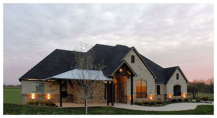 Texas Hill Country Home -  mix of roof & house materials