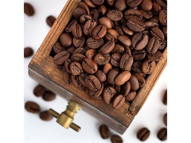 Jaká je naše nejoblíbenější kávová směs? Mezi našimi zákazníky je tou nejoblíbenější (a zároveň i nejčastěji objednávanou) směs PALERMO BLEND.  #coffeenow #káva #směs #palermo #blend #pražírna #dobříš  #arabica #arabika  #robusta  #coffee  #espresso  #cappucchino  #roastery