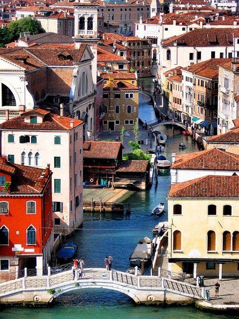 Venice, Italy   Oh, my beloved Italia, where My Soul longs to be.  Venezia, Italia :D