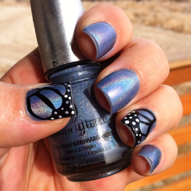 Blue Butterfly Wing Accent Nails