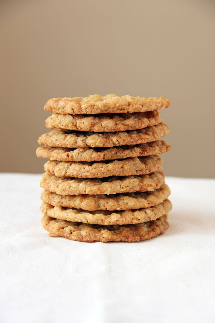 Extra Thin and Crispy Oatmeal Cookies