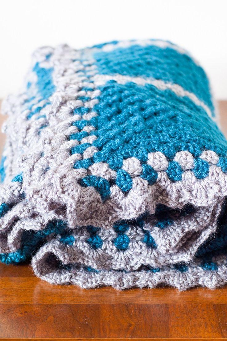 Crochet Granny Square Contrast Blanket Tutorial   SewSimmerAndShare.com