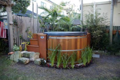 2.1m dia tub with custom made octagonal benches in Bronte, NSW, Australia