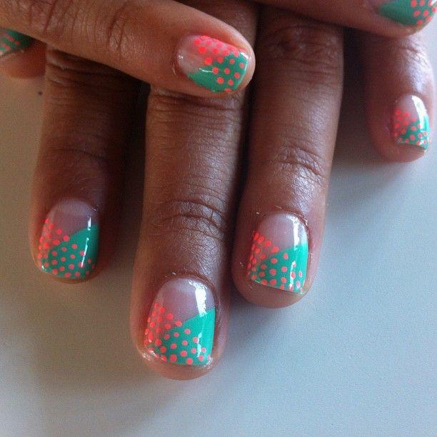 love itIdeas, Colors Combos, Polka Dots, Nails Art, Cute Nails, Nails Design, Super Easy, Neon Nails, Contrast Manicures