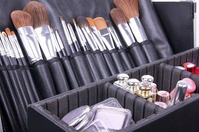 Are you looking for freelance makeup artist jobs?