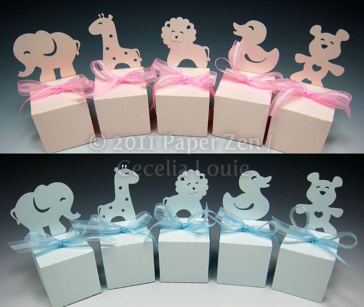 Dank uw genodigden met een dierlijke geschenkverpakking, perfect voor een babydouche of jungle thema verjaardag.   DIGITALE sterven gesneden bestanden voor 1) olifant 2) giraf 3) de Leeuw 4) eend 5) teddy beer   MATEN 1) klein: 1,75 x 1,75 (twee dozen op een vel van 8,5 x 11 past) 2) groot: 2,5 x 2,5-inch (één doos past op een vel van 8,5 x 11)   FORMATEN 1) SVG 2) PDF 3) DXF 4) GSD  Opmerking: Een silhouet sterven cutter werd gebruikt voor het snijden van alle vakken gezien hier. Resultaten…