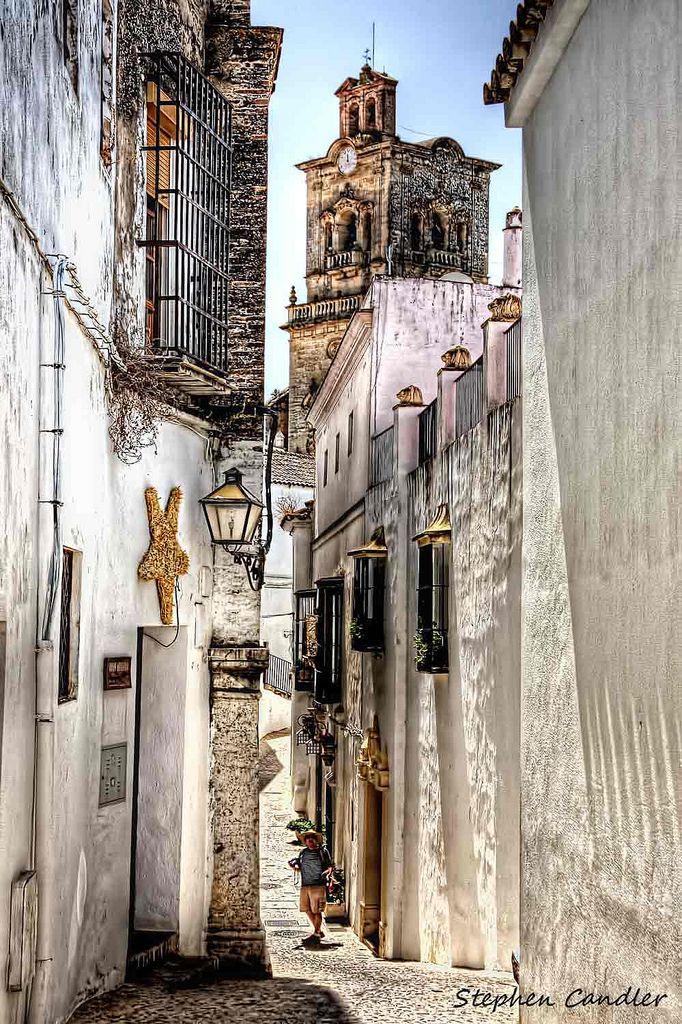 https://flic.kr/p/9YwZeu | Catching Up With Les ! | Street scene, Arcos de la Frontera, Spain