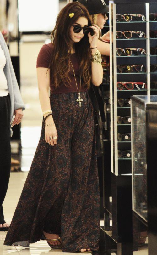 Vanessa Hudgens Dark Hippie Style. AYAME FASHION BLOG: http://caprichosdeayame.com/categoria/moda/
