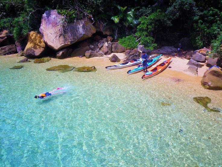 【沖縄おすすめ情報】 カヤック好きにはたまらない。ポイントいっぱいの西表島カヤック(西表島) 島を巡り、シュノーケリングで休憩(写真提供/ぱいしぃず)