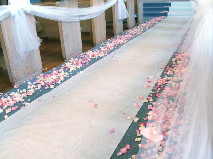 Best 25 outdoor wedding aisle decor ideas on pinterest outdoor beautiful weddings on a budget wedding decorations on a small budget news blogrollcenter junglespirit Choice Image