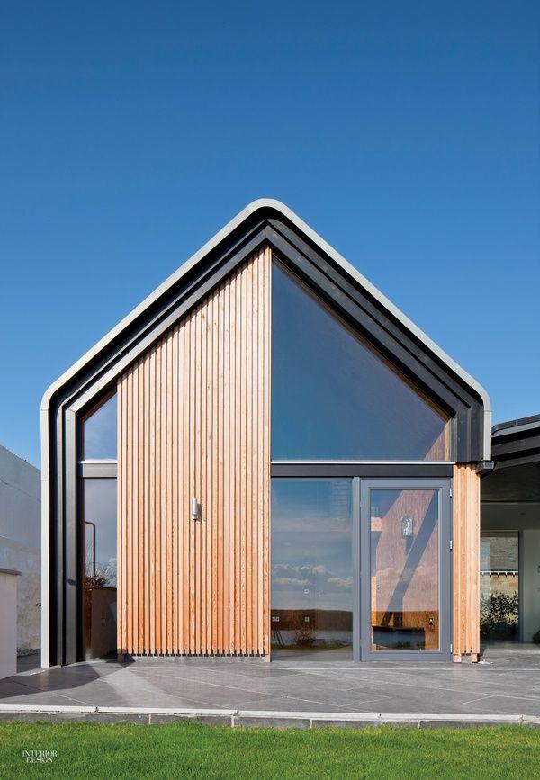 Kingdom of Light: A Modern Beach House in Scotland