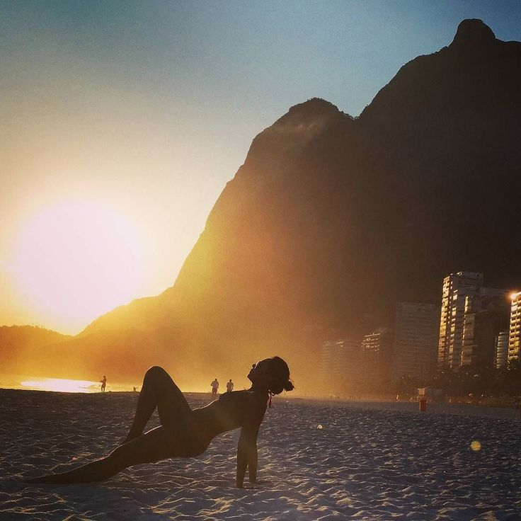 Brilha a noite brilha o dia Brilha o entardecer. Brilha sempre a alegria De um novo amanhecer. . . Fim de tarde em Sanca!! . . #praiadesanca #sol #amar #verao #love #happy #foconoolhar #detalhebrasil #brvibration #myflagrants_faces #fotoencantada #cliquemais #brazilgram #visitbrasil #umveraopordia #vidacarioca #carioquissimo #cariocandonorio #rio_radical #riofun #rionagema #openairsport #pagevibe #sunset_captures #paixonaspelorio #sereias_urbanas #meninasnaturais #riosunset #rioguiaoficial…