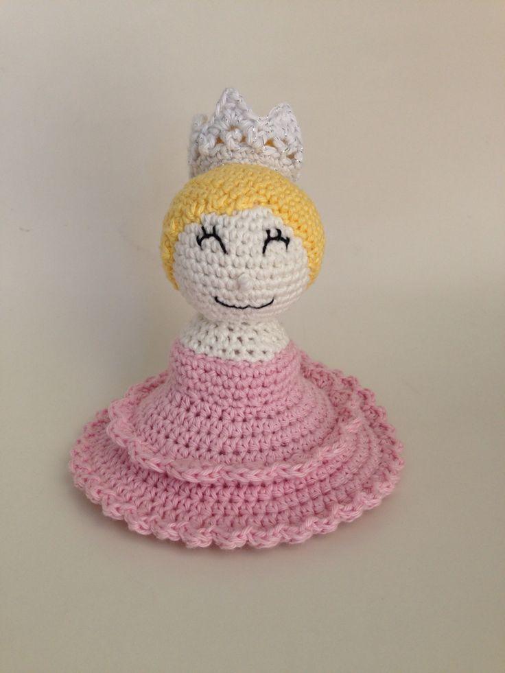 Hæklet prinsesse crochet princess rangle rattle