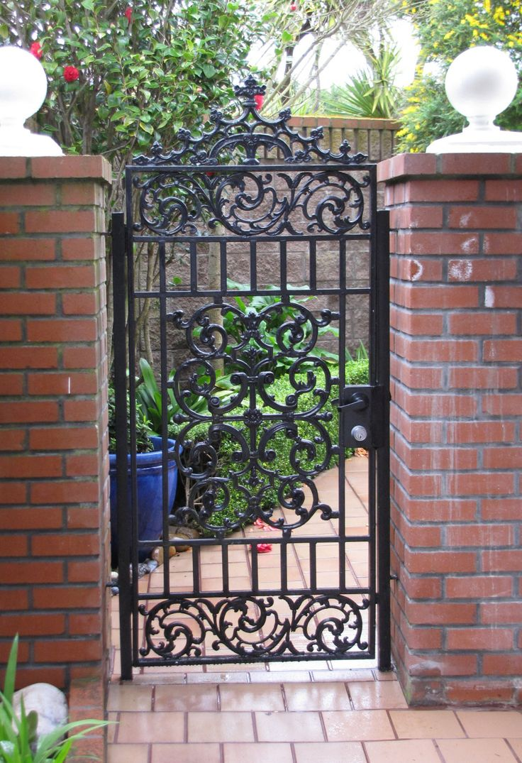 260 best rejas images on pinterest iron doors iron for Front gate design