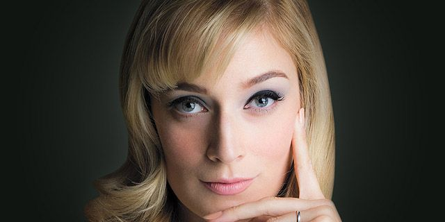 Caitlin FitzGerald as Libby Masters in Masters of Sex