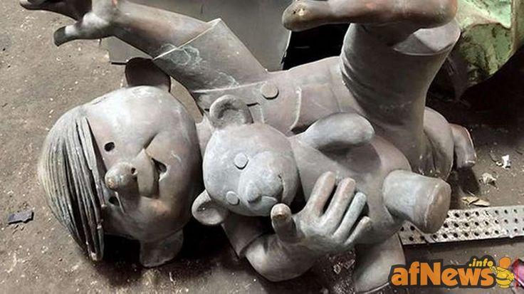 Dennis la Minaccia, ritrovata la statua rubata nel 2006 - http://www.afnews.info/wordpress/2015/09/16/dennis-la-minaccia-ritrovata-la-statua-rubata-nel-2006/