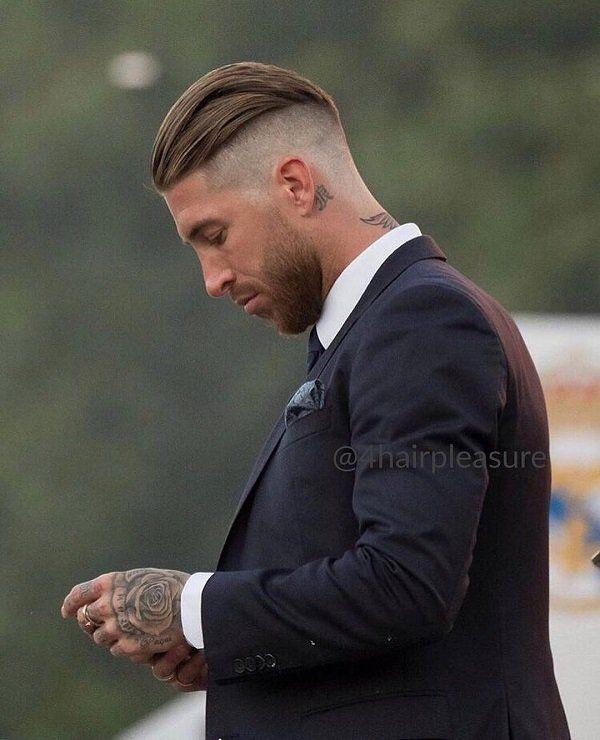 Une coiffure moderne et chic pour hommes