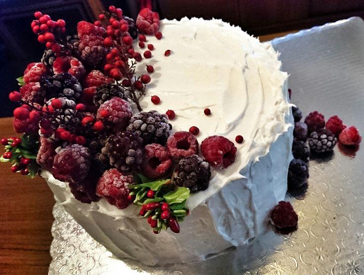 Glutensiz vişneli böğürtlenli ahududulu pasta #glutenfree#cherry#blackberry#raspberry#pastry
