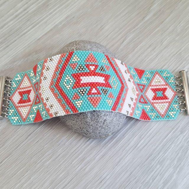 Manchette estivale #manchette #bracelet #perles #miyuki #beads #tissage #handmade #bohème #peyote #fashion #tendance #girly