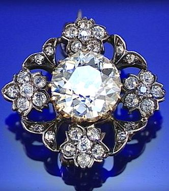 DIAMOND BROOCH, SECOND HALF OF THE 19TH CENTURY, OF QUATREFOIL FORM,