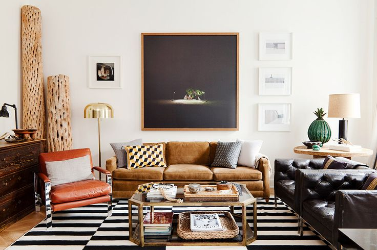 Black and white rug in neutral and masculine living room