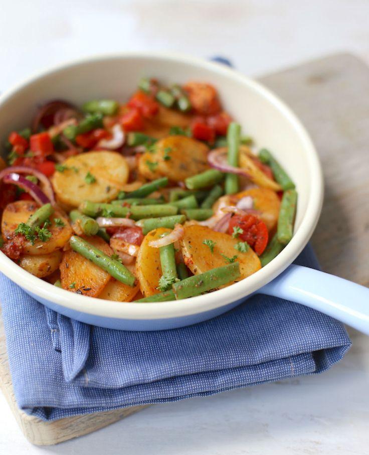 Maak aardappelen eens op een nieuwe manier! Bijvoorbeeld in deze schotel met sperziebonen en paprika. Aardappelschotel met sperziebonen Recept voor 2 personen Tijd: 25 min. Dit heb je nodig: 450 gr aardappels 250 gr sperziebonen 1 rode ui 1 paprika…