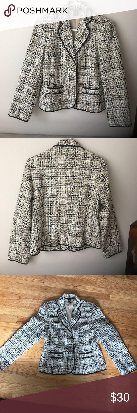 """Tweed Jacket 4P Tweed Jacket..Length 24"""", Width shoulder-to-shoulder 16"""" , Width across back underarms 18"""" Monterey Bay Jackets & Coats Blazers"""