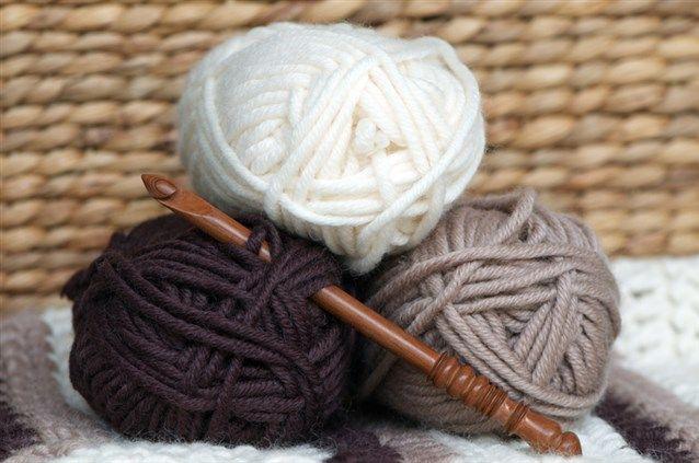 تفسير حلم رؤيه الصوف في المنام لابن سيرين والنابلسي الصوف الصوف في الحلم الصوف في المنام تفسير حلم الصوف Knitted Hats Knitting Hats