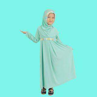 baju muslim anak  model gamis polos dengan warna hijau cocok bagi si kecil agar tampil lucu dan anggun   harga : 110.000   1 set baju gami...