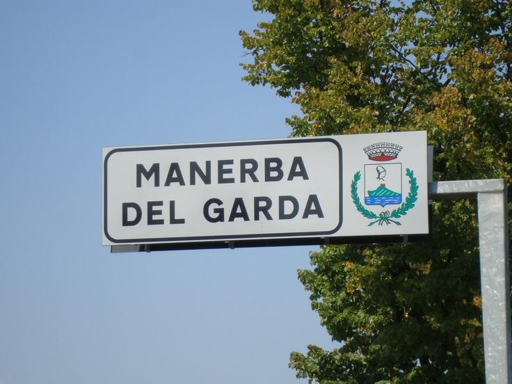 Minerva, la Valtenesi, la leggenda sulla croce sulla Rocca, la Chiesa del Patto col Diavolo... in una parola Manerba.