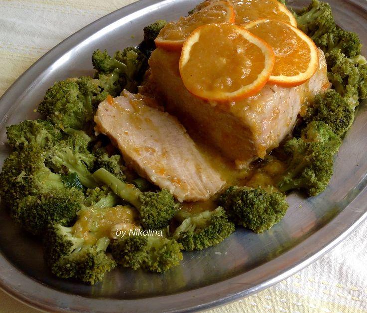 ingrediente:  aproximativ 1 kg. muschiulet de porc 2 portocale bio 1-2 cepe 1-2 catei de usturoi 1 tulpină de țelină 1-2 morcovi vin alb 1 cana ulei de măsline 2-3 linguri de otet alb piper, rozmarin, oregano ...          Carnea se spală, se usucă și se adaugă unele în oțet, apoi aromatizat cu condimente, sare și ulei de măsline și a pus să se odihnească în frigider, chiar peste noapte.        Într-o cratiță cu un diametru ușor - bucată mare de Gatiti ceapa carne toca...