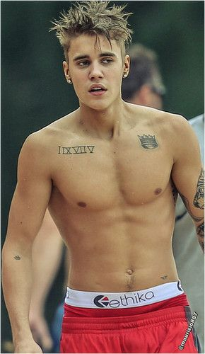 Photo of Justin Bieber   Hawaii 2013 for fans of Justin Bieber. Justin Bieber   Hawaii 2013