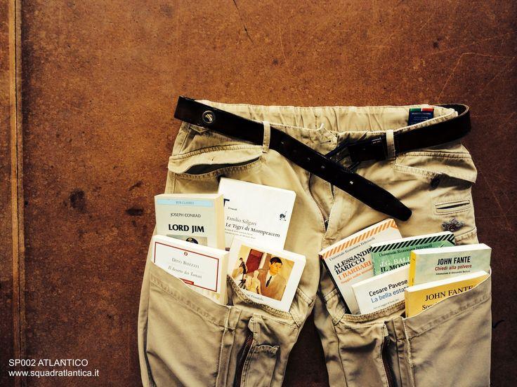 wear a book - indossa un libro www.squadratlantica.it