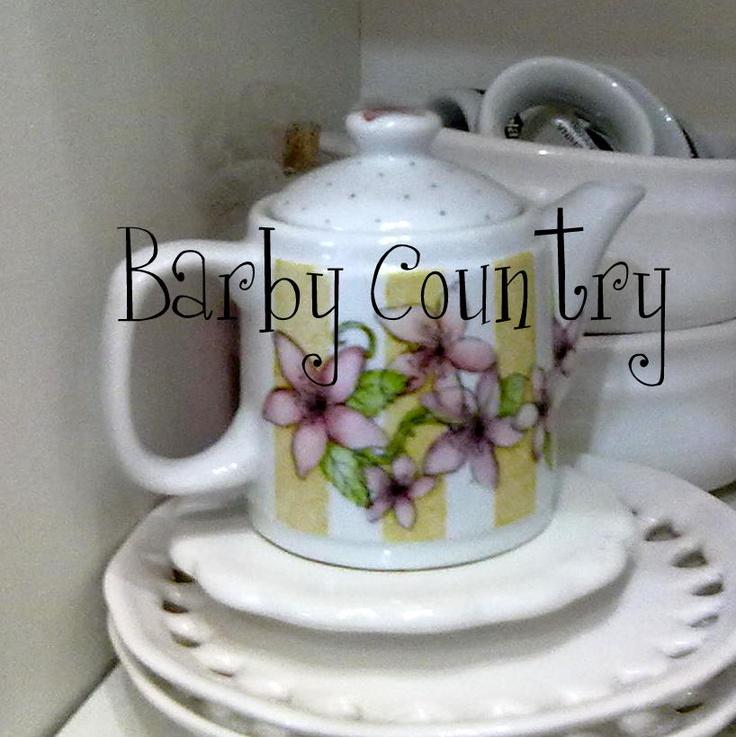 Porcelana pintada a mano.  Prof. Barby Schnabel  barbycountry@hotmail.com