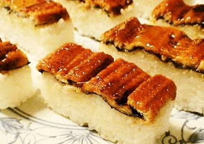 Easy Box-Pressed Eel Sushi Recipe -  How are you today? How about making Easy Box-Pressed Eel Sushi?
