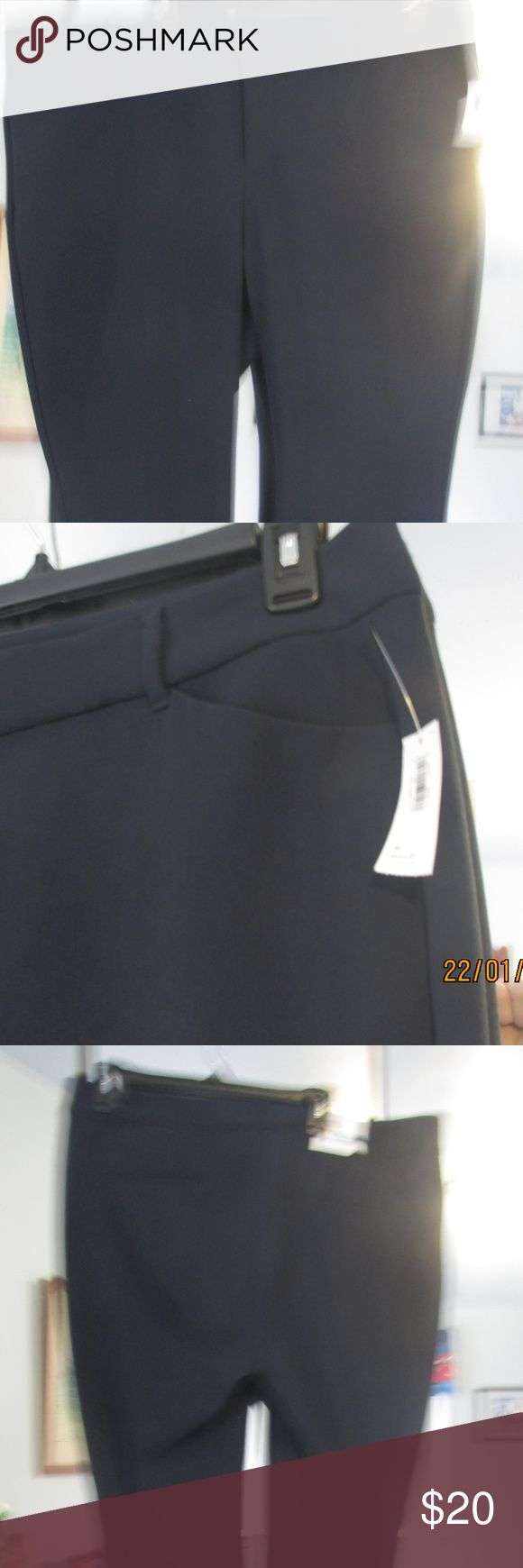 Dress Pants NWT Navy Blue dress pants. New with tags. Regular fit. Old Navy Pants Trousers