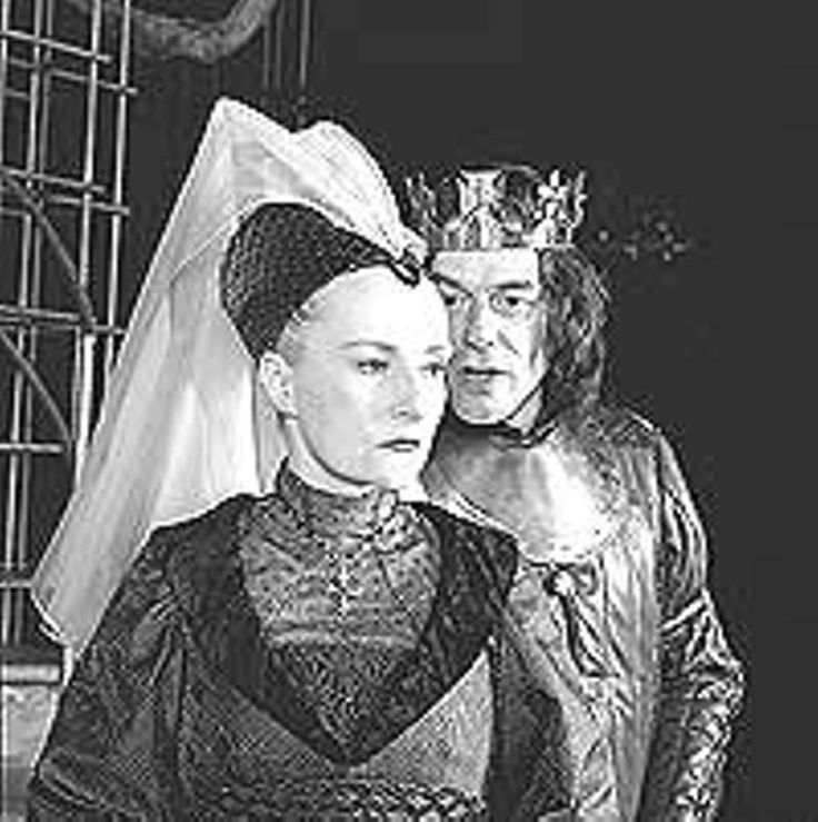 """Seana McKenna as Queen Elizabeth and Tom McCamus as Richard at the Stratford Shakespeare Festival's production of """"King Richard III""""."""