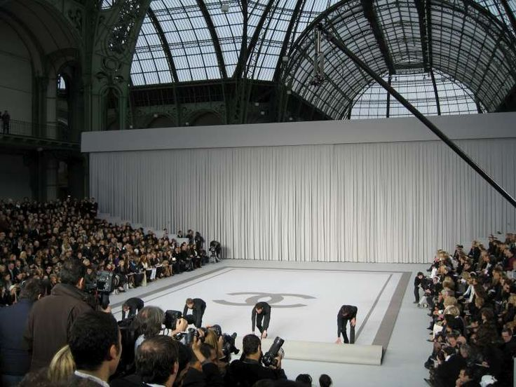 92 best images about stage design on pinterest couture for Runway stages