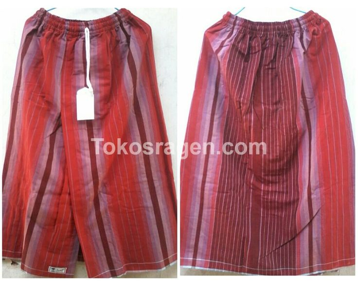 Sarung celana buat remaja dengan warna merah. Terbuat dari sarung gajah duduk yang nyaman, lembut dan berkualitas ketika dipakai.