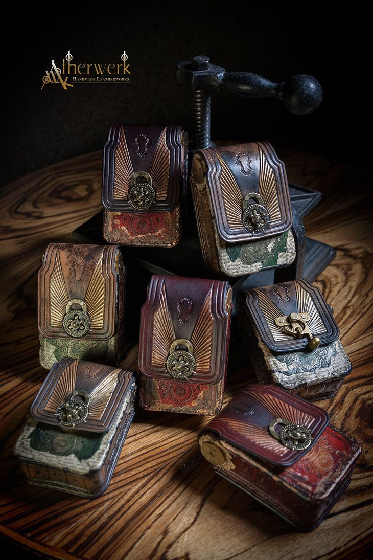 Just finished another few steampunk/victorian Belt-Bags. Available direct from me (send me a pm) or on Etsy www.etsy.com/de/shop/Aetherwer… www.etsy.com/de/listing/224937…