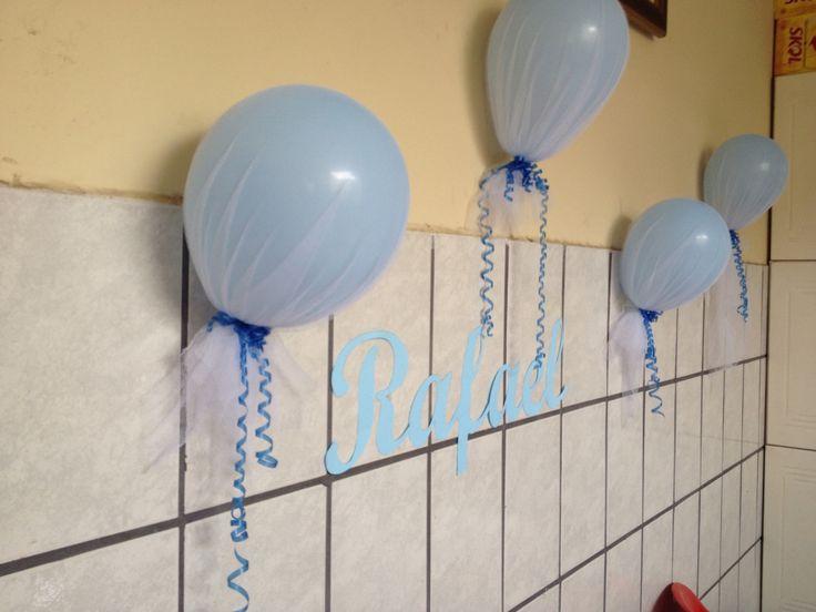 Decoração para Rafael, balões cobertos com tule