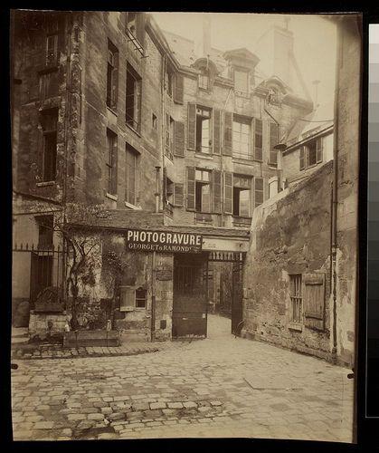 Cour de Rouen - passage du Commerce (6e ar) - Eugène Atget