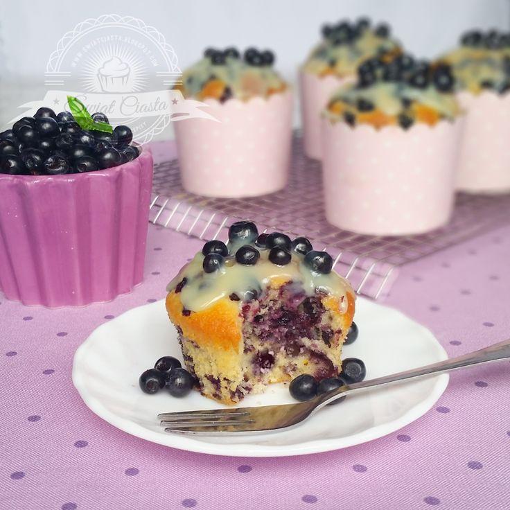 Muffiny z jagodami   Świat Ciasta