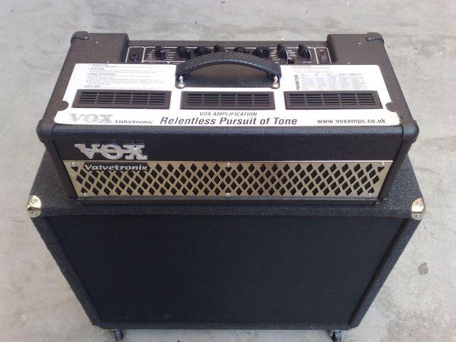 Vox AD 100 VTH  cassa